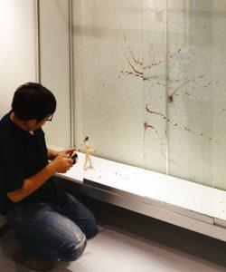 小沢先生修復風景2